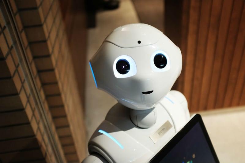 robot-pepper-alex-knight-199368-unsplash